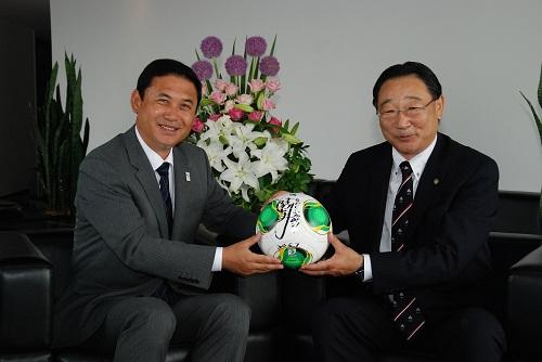 関東信越税理士会長 小林様と対談