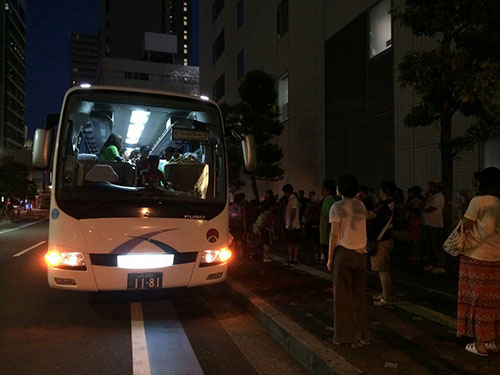 バス、大宮に到着